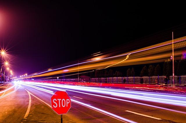 Le Gouvernement envisagerait de réduire la vitesse autorisée dans les agglomérations thaïlandaises