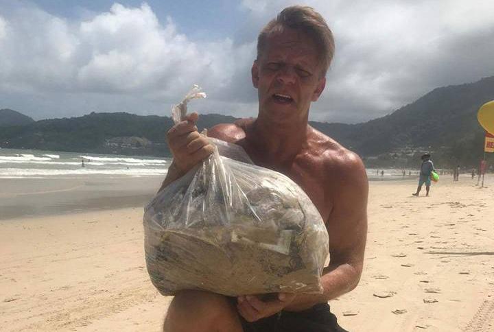 Marcus Kingo, le M. Propre suédois qui nettoie les plages du sud de la Thaïlande