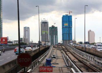 La station de BTS Saphan Taksin passant de deux à une seule voie
