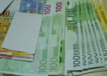 La somme de 3300€ oubliée par un touriste du Bangladesh dans un van de l'aéroport de Phuket