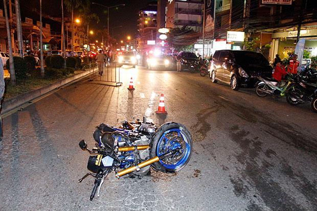 La Kawazaki Z900 conduite par le touriste russe et qui a coûté la vie à trois personnes après un accident à Pattaya, dans la nuit de lundi à mardi