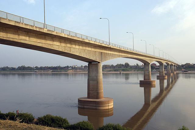 Une étude de faisabilité est menée pour la construction d'un sixième pont entre la Thaïlande et le Laos