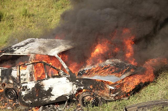 Plus de mille voitures ont été incendiées en France pendant la nuit du réveillon