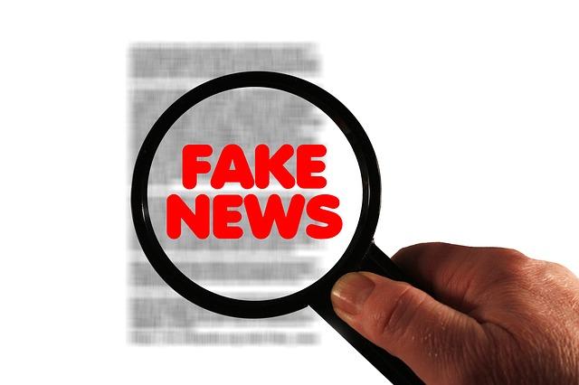 """Le président français souhaite une loi contre les """"fake news"""" avant la fin de l'année"""