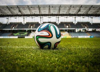 Ligue 1 : un choc Lyon-PSG, Bordeaux en plein chambardement