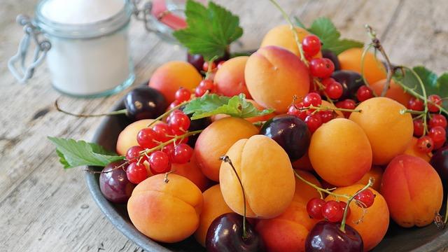 Près de trois quarts des fruits non bio en France seraient porteurs de traces de pesticides