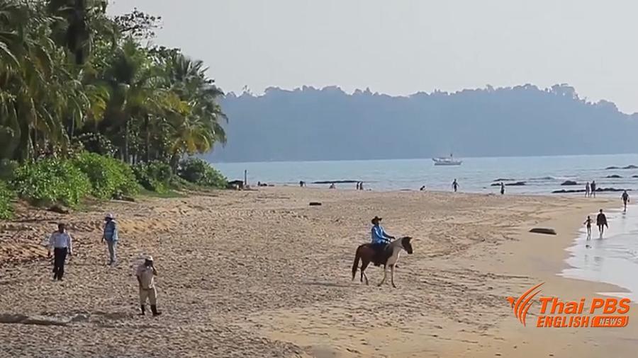 L'interdiction de fumer à Khao Lak a été étendue à l'ensemble de la plage