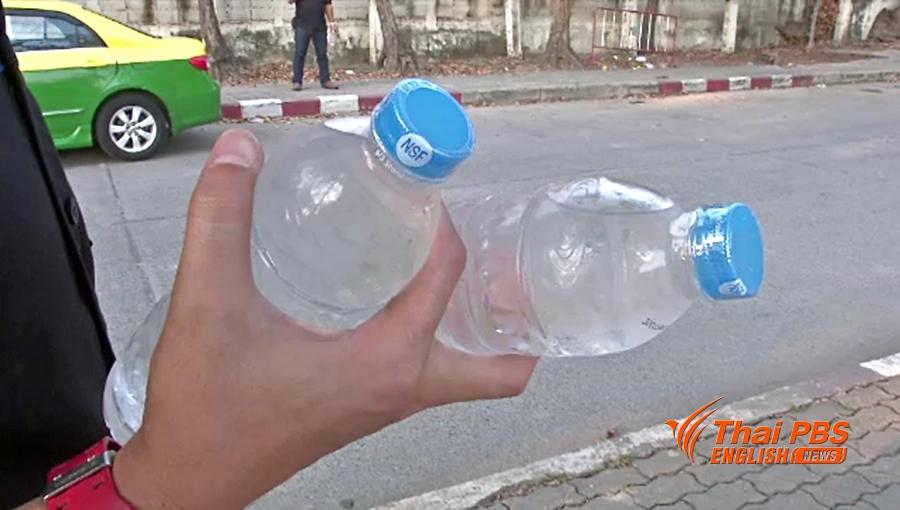 La Thaïlande va interdire les scellés en plastique sur les bouteilles d'eau à partir du 1er avril 2018