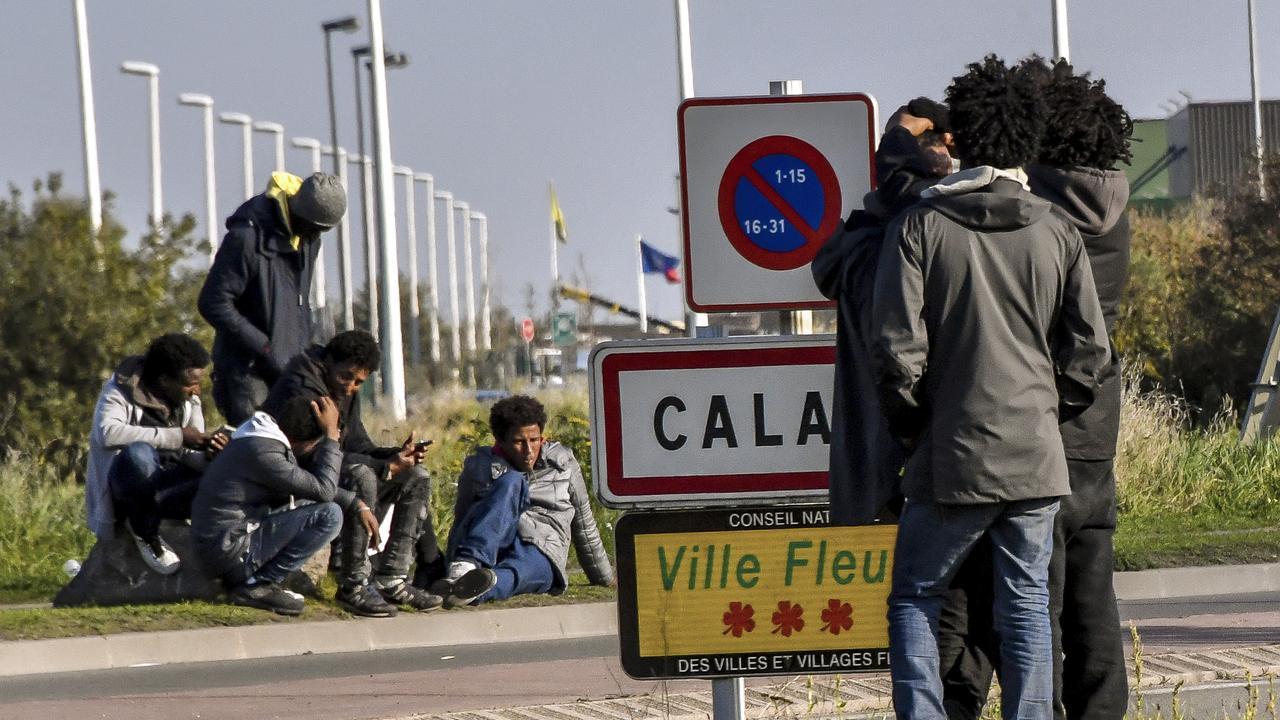 À Calais, plusieurs migrants ont été blessés lors d'une violente rixe entre afghans et érythréens