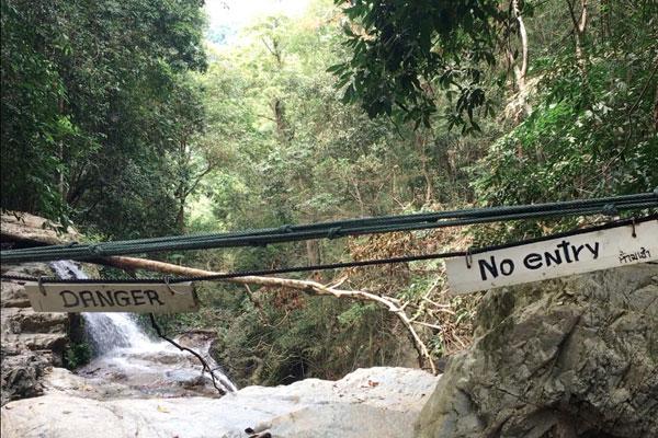 Un touriste a fait une chute mortelle après avoir ignoré les panneaux interdisant l'accès à un secteur d'une cascade de Koh Samui