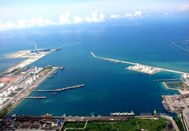 Le port de Map Ta Phut, Rayong, devrait être agrandi de 160 hectares d'ici quelques années