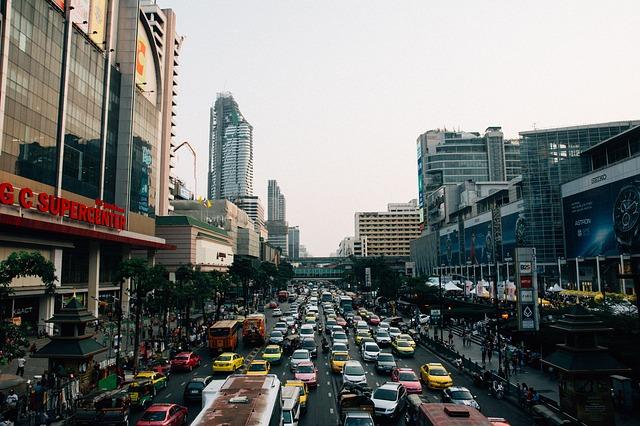 La vitesse maximale autorisée a été réduite sur certaines routes de Bangkok afin de tenter d'améliorer la sécurité routière