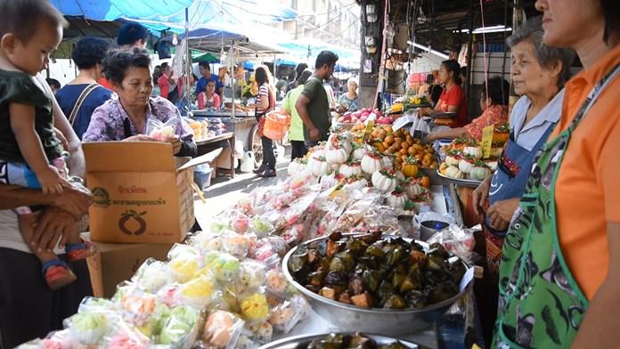 Plus d'une centaine de marchés à Bangkok seraient exploités sans autorisation