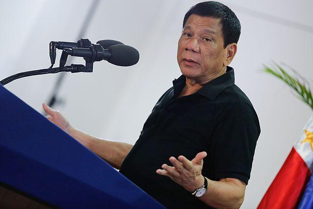Le président des Philippines, Rodrigo Duterte, a annoncé dimanche l'interdiction permanente de détacher des travailleurs au Koweït