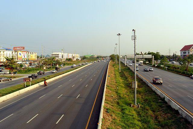 L'augmentation des limites de vitesse sur les routes thaïlandaises devrait être prochainement approuvée