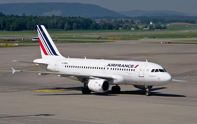 Les employés de la compagnie aérienne nationale Air France ont décidé de prolonger leur grève du mois d'avril de 4 jours supplémentaires
