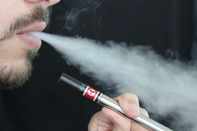 La question de la légalité de la cigarette électronique en Thaïlande continue d'être discutée