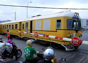 Reconstruction de la voie ferrée Cambodge/Thaïlande après 45 ans