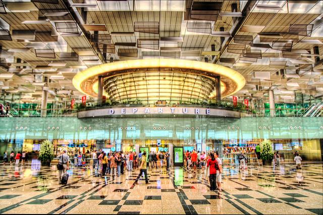 La liaison aérienne entre l'aéroport Changi de Singapour et l'aéroport international de Kuala Lumpur est la plus empruntée au monde