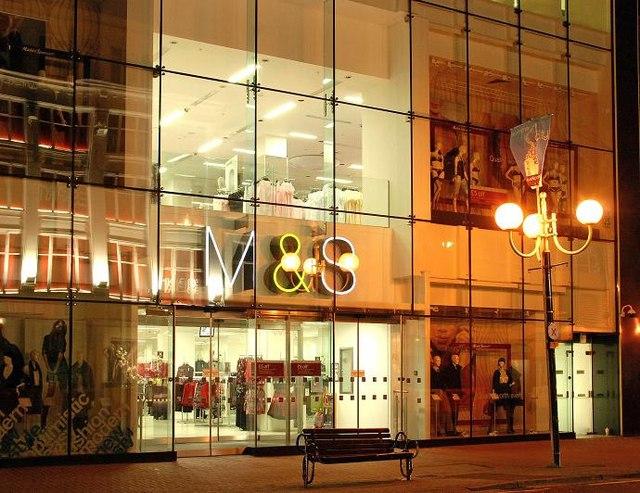 La chaîne Marks & Spencer prévoit de fermer une centaine de boutiques au Royaume-Uni