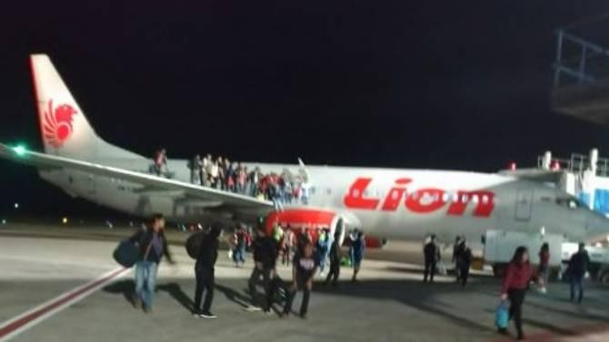 Onze personnes ont été blessées après une fausse alerte à la bombe sur un vol Lion Air en Indonésie