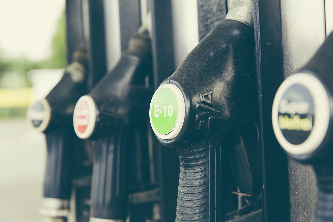 La Thaïlande veut créer un fonds permettant de compenser les prix des carburants à la pompe, face à hausse du pétrole