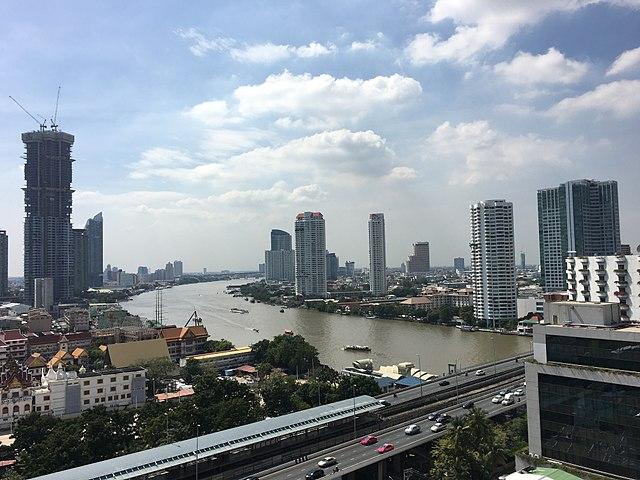 Les investisseurs étrangers en Thaïlande ont demandé au Gouvernement qu'il lève le plafond de 49 % de propriété pour les entreprises