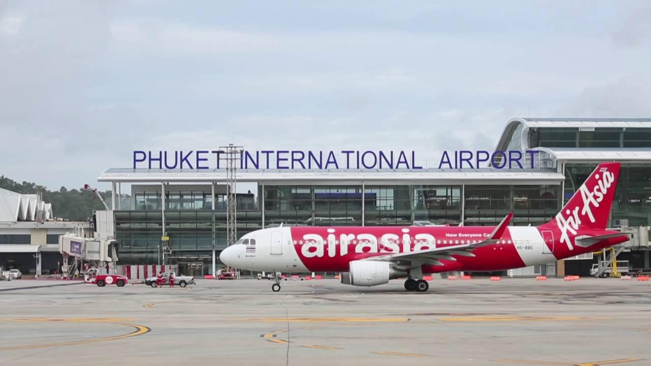 Les responsables de l'aéroport de Phuket tentent de calmer les passagers, alors que les plaintes au sujet de la climatisation se multiplient