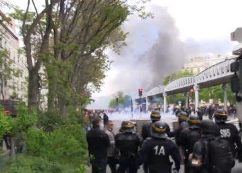 Un policier blessé et 200 interpellations après le défilé du 1er mai à Paris