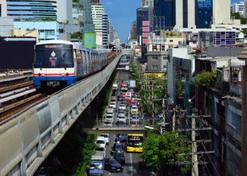 La Thaïlande va permettre aux travailleurs étrangers d'exercer 12 professions actuellement réservées aux thaïs