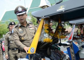 Bangkok : arrestation de chauffeurs de tuk-tuks pour avoir arnaqué des touristes