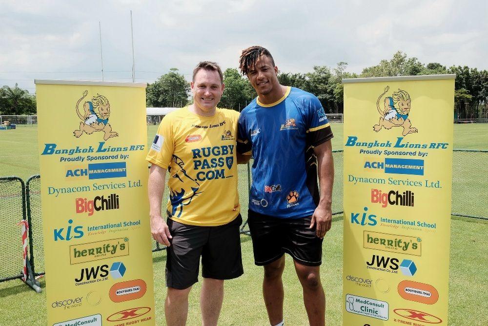 Deux célèbres joueurs de rugby se sont récemment rendus à Bangkok afin de faire la promotion de ce sport en Thaïlande