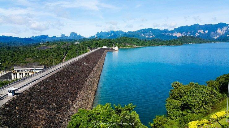 Le corps d'un touriste américain porté disparu depuis plusieurs jours a été retrouvé sans vie dans le barrage de Ratchaprapa