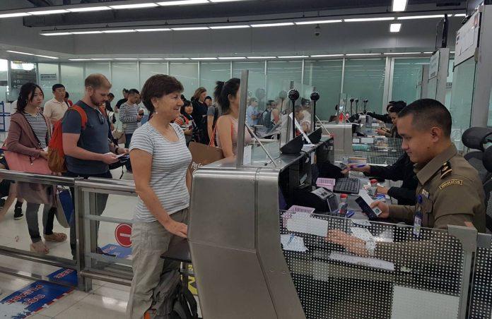 Plus de 3 600 étrangers présentant une menace pour la sécurité nationale se sont vus refuser l'entrée en Thaïlande depuis le début de l'année