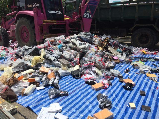 Près de 4000 articles contrefaits pour une valeur avoisinant les 4 millions de bahts ont été détruits par les autorités à Phuket