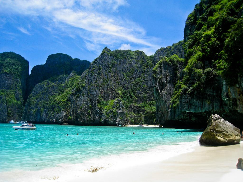La plage de Maya Bay (Koh Phi Phi), dans la province de Krabi