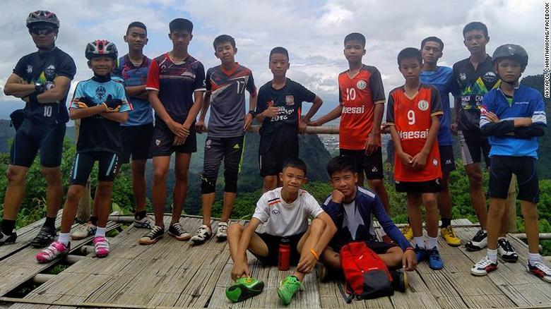 Les 12 enfants et leur entraîneur de football, portés disparus dans la grotte de Tham Luang depuis le 23 juin, ont été retrouvés sains et saufs
