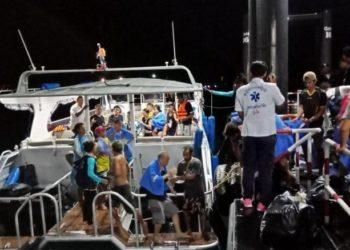 Phuket : un mort, des dizaines de touristes chinois disparus après le chavirement d'un bateau