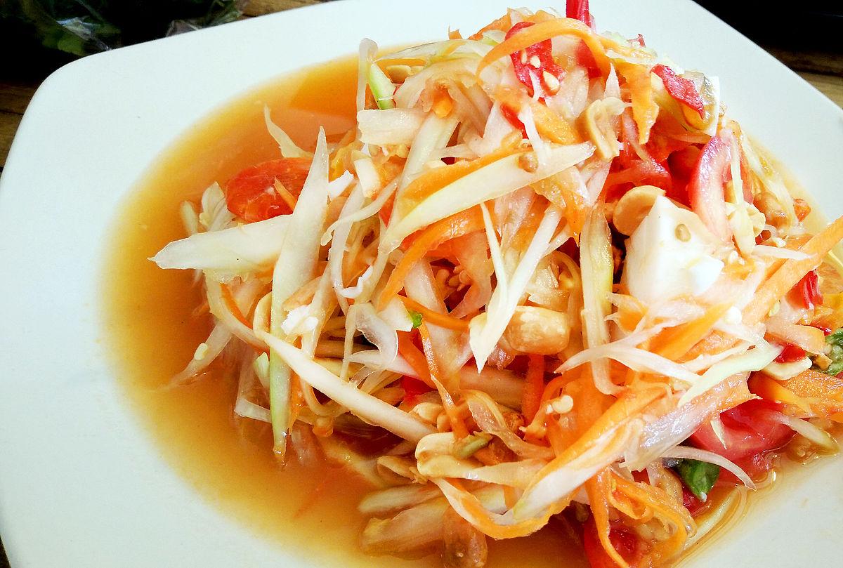 La salade de papaye verte épicée som tam est classée 5ème sur la dernière liste Lonely Planet des meilleurs plats du monde pour les voyageurs
