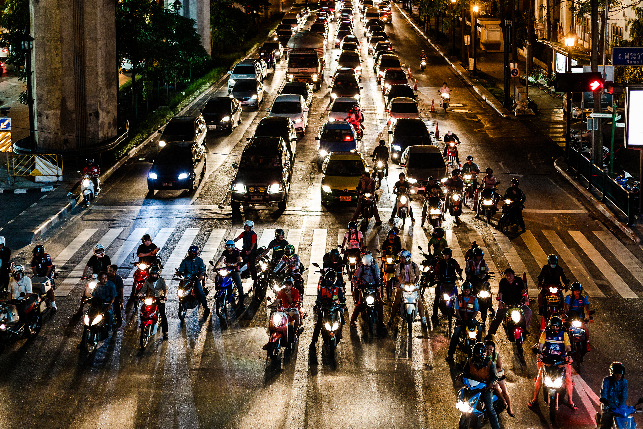 Les problèmes de trafic à Bangkok devraient s'aggraver, alors que cinq nouvelles lignes de transport en commun sont en cours de construction