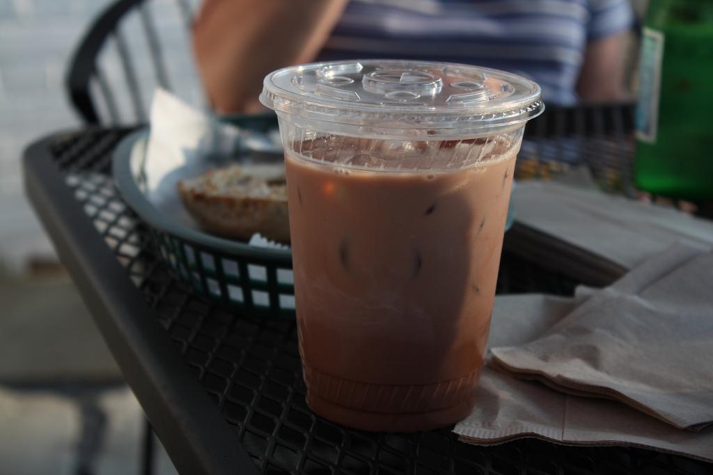 La Corée du Sud vient d'annoncer l'interdiction des tasses à café jetables et des sacs en plastique