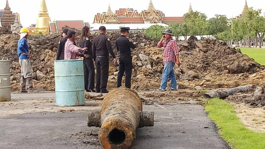 Un canon datant de plus de 200 ans a été retrouvé face au Palais Royal de Bangkok