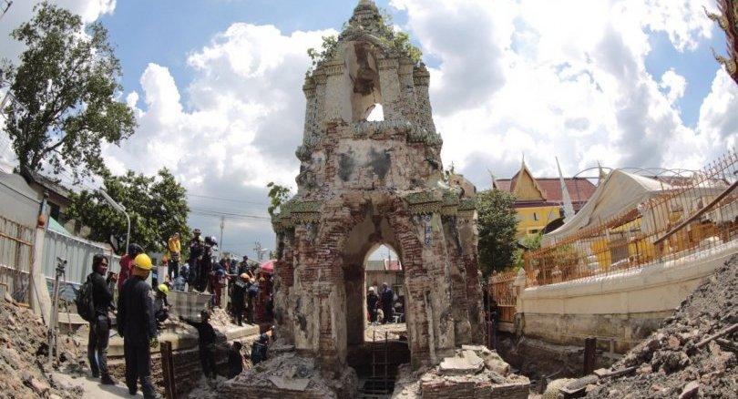 Onze ouvriers ont été blessés alors qu'ils travaillaient à la restauration d'une ancienne pagode à Bangkok