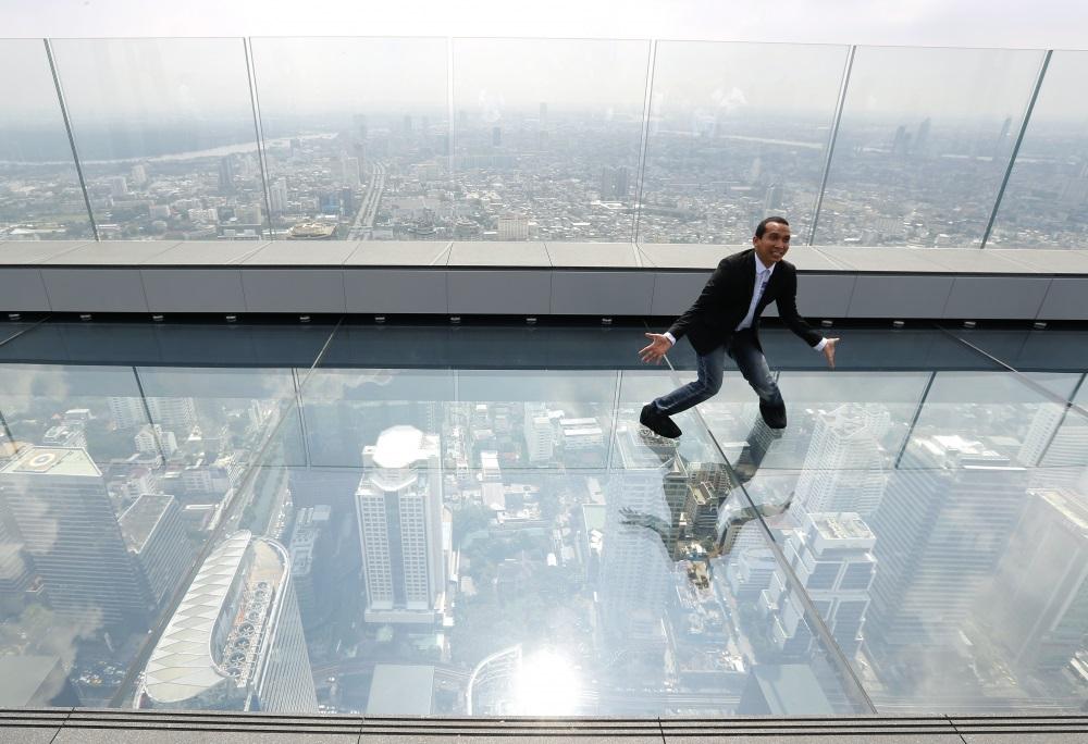 La plus haute tour de Bangkok ouvre une terrasse en verre