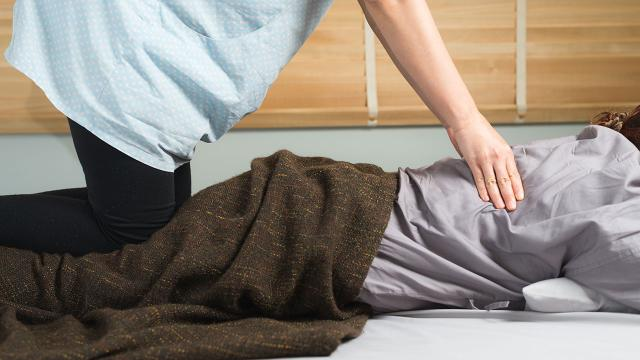 Les autorités ont ouvert une enquête après le décès d'un homme lors d'un massage à Chonburi