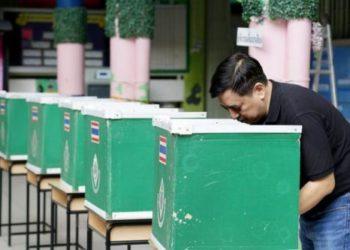 Thaïlande : les petits partis veulent reporter les élections au 5 mai