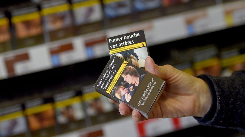 Les autorités de santé publique thaïlandaises envisagent la mise en place du paquet de cigarettes neutre, une première en Asie