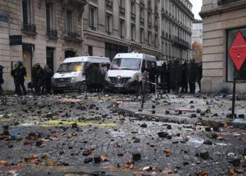 Gilets jaunes : des émeutes éclatent à Paris lors des dernières manifestations