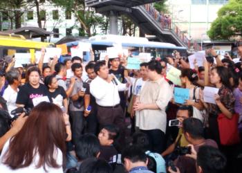 Thaïlande : le mécontentement grandit face aux échecs de la Commission électorale