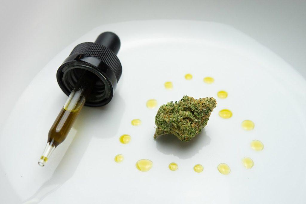 """Thaïlande : une patiente séropositive affirme que le cannabis l'a """"guérie"""""""